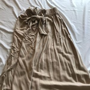 NWOT Soft linen skirt with front bow tie